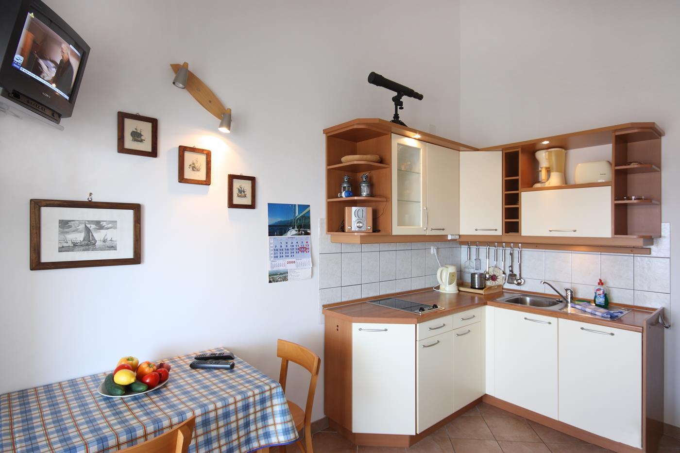 vodice apartament kaprije kuchnia
