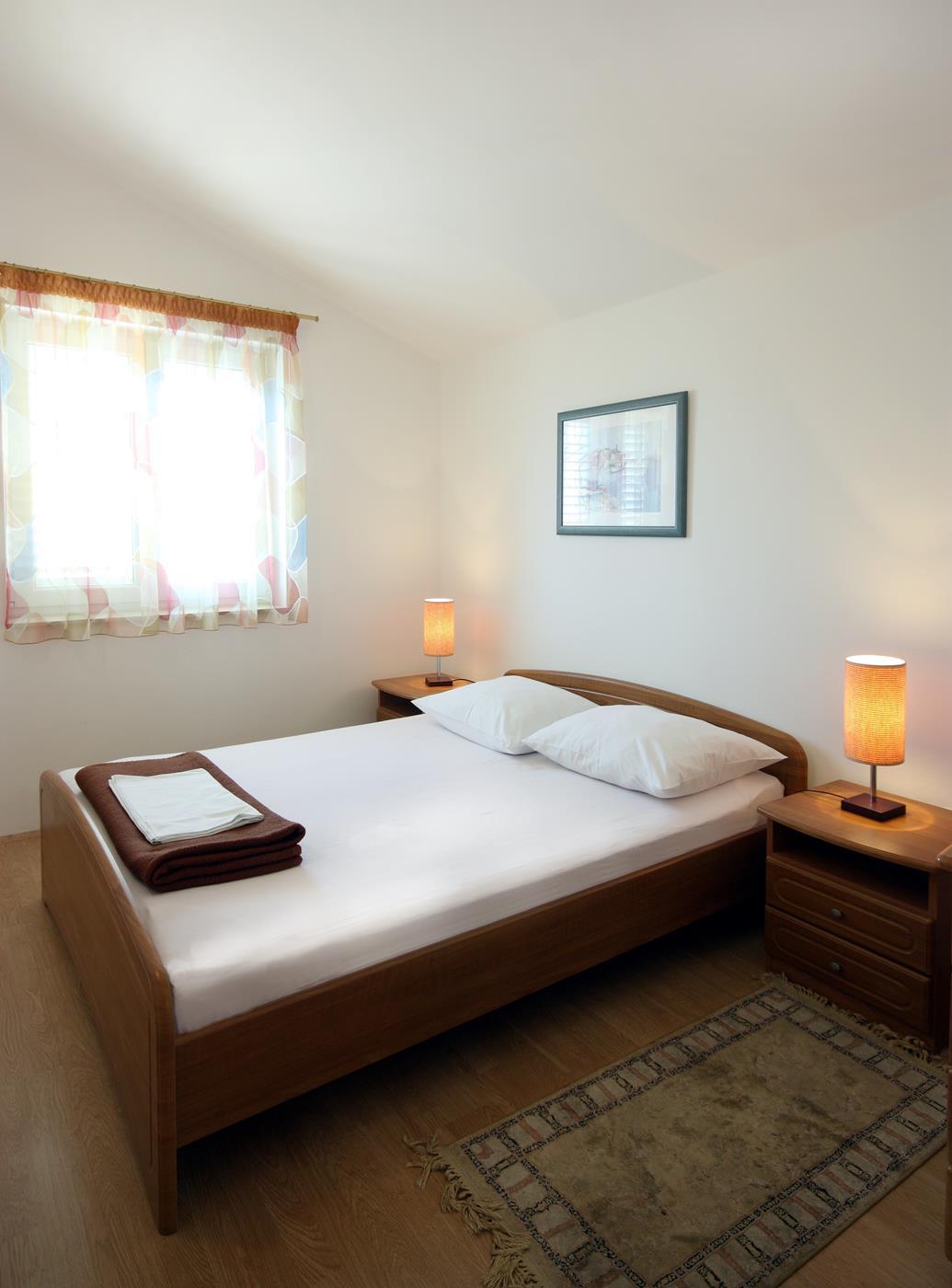 vodice apartament kaprije sypialnia I