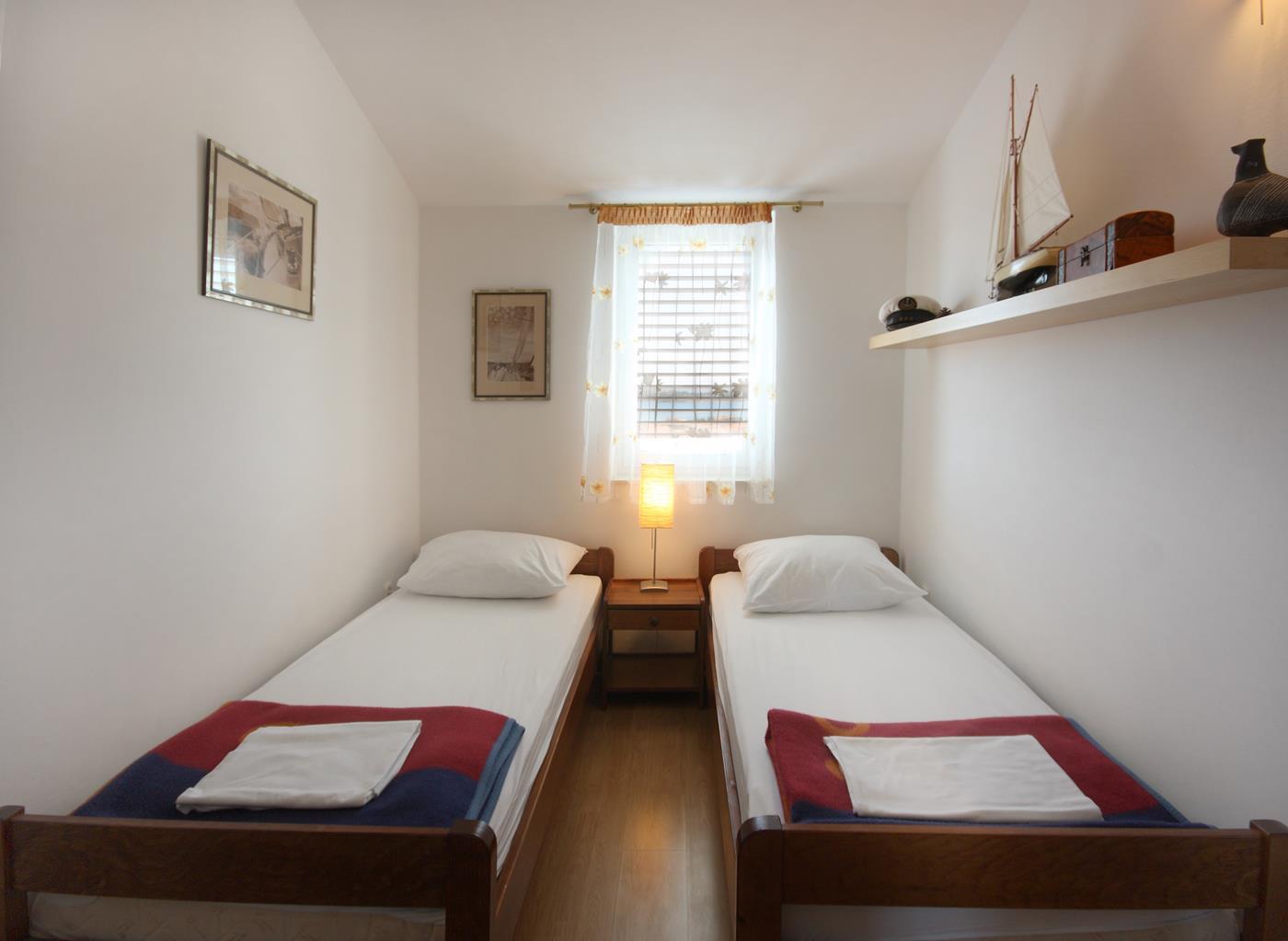 vodice apartament kaprije sypialnia II