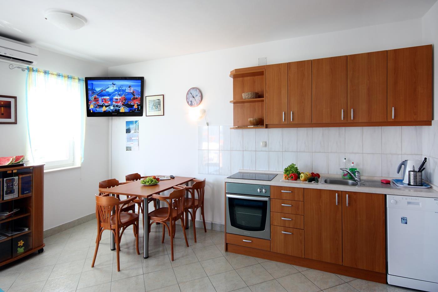 vodice apartament kornati kuchnia