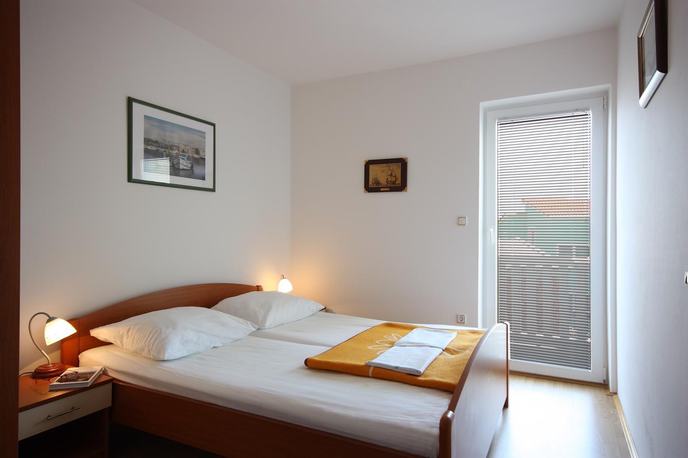 vodice apartament kornati sypialnia II